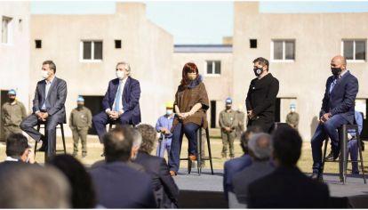 """La """"foto de la unidad"""". Así la llamo el presidente Alberto Fernández, acompañado de Cristina, Massa y Kicillof."""