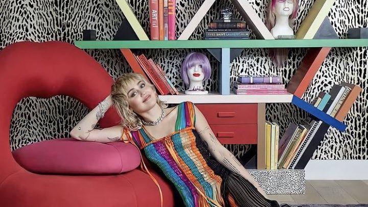 Conocé la nueva casa de Miley Cyrus decorada por su madre: animal print, color y mucho rock