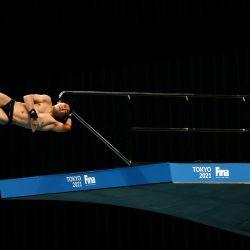Rikuto Tamai de Japón compite en la final de plataforma masculina de 10 metros en la Copa del Mundo de Buceo FINA y evento de prueba para los Juegos Olímpicos de Tokio 2020, en el Centro Acuático de Tokio. | Foto:Behrouz Mehri / AFP
