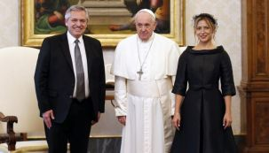 Alberto Fernández, el Papa Francisco y Fabiola Yañez