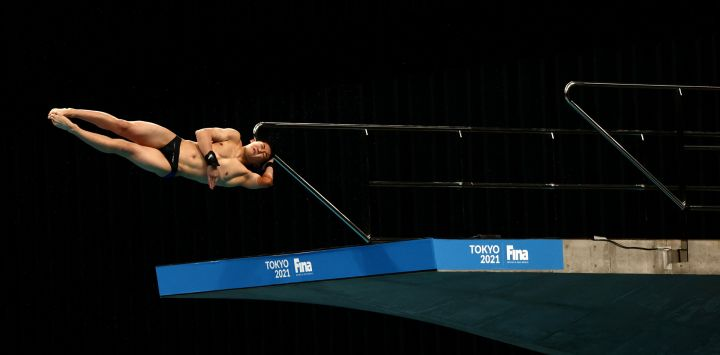 Rikuto Tamai de Japón compite en la final de plataforma masculina de 10 metros en la Copa del Mundo de Buceo FINA y evento de prueba para los Juegos Olímpicos de Tokio 2020, en el Centro Acuático de Tokio.