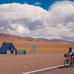 Los refugios de Vialidad se encuentran durante todo el recorrido del lado argentino, cada 20 o 30 km.