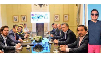 Mesa de negocios. Felipe Viramonte Noguer (der.) en un encuentro que mantuvo en el Salón de los Científicos Argentinos de Casa Rosada con el ex presidente Mauricio Macri.