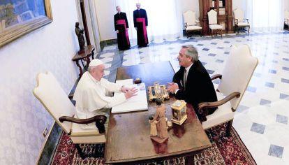 Sintonía. El mandatario argentino y el Papa se expresan similar cuando aluden a las desigualdades económicas y frente a la pandemia.