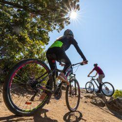 En los alrededores de Bariloche hay circuitos de MTB con todos los niveles de dificultad. Si no llevaste tu bici la podés alquilar allá.