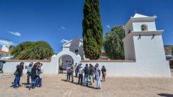 Humahuaca: restauran iglesia del Siglo XVII