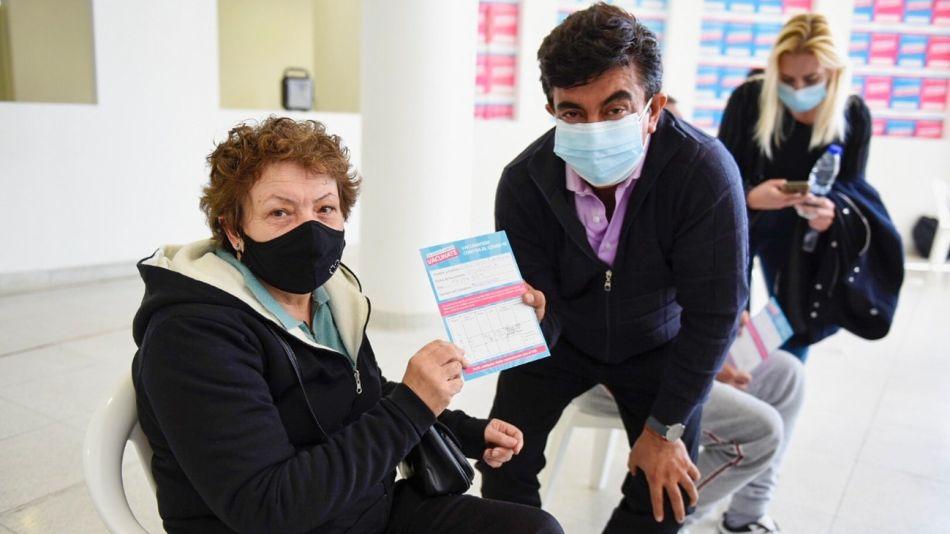 """La Matanza avanza en la vacunación contra el Covid-19. """"Agradezco a todo el personal de salud por este esfuerzo"""", dijo el intendente Fernando Espinoza."""