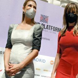 Fabiola Yañez con Begoña Gómez Fernández.  | Foto:Oficina de prensa de la Primera Dama
