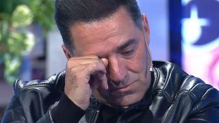 Mariano Iúdica llorando