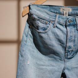 """Los jeans """"loose fit"""" (del mom al balloon) ganan cada vez más terreno."""