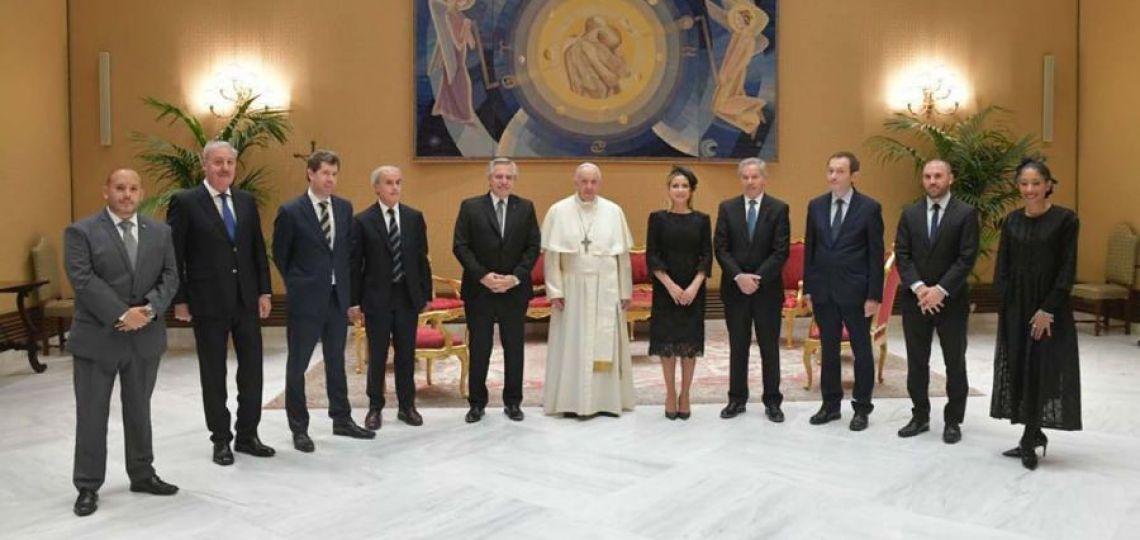 Fabiola Yáñez: ¿Por qué las mujeres deben vestirse de negro ante el Papa y quienes son la excepción?