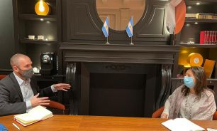 El ministro Martín Guzmán, con la subdirectora del Departamento del Hemisferio Occidental del FMI, Julie Kozack.