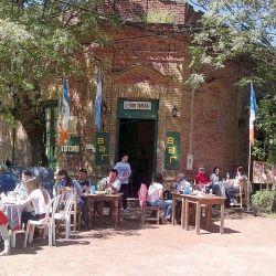 El bar Don Tomás, en Gouin.