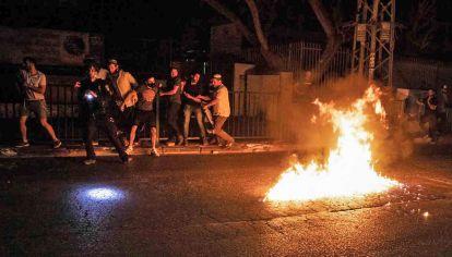 Judíos. Manifestantes de extrema derecha israelí se enfrentan con bombas molotov durante los choques en las ciudades mixtas que sacuden al país.