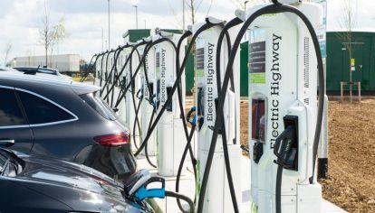 ¿A partir de cuándo los autos eléctricos serán más baratos que los de combustión?