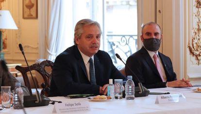 dupla. La gira europea tuvo una clara impronta económica en la búsqueda de un alivio para la complicada situación de la deuda y sus condicionantes sobre el Gobierno.