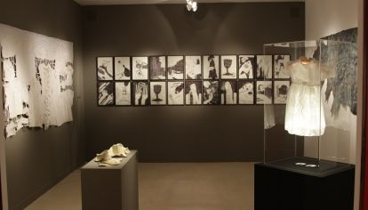 HASTA SEPTIEMBRE. Un recorte de la colección de José Luis Lorenzo aborda la temática sobre feminismo y género en Espacio Colón.