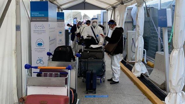 Ezeiza, sábado 15 de mayo: los hisopados a cargo de laboratorios Stamboulian.