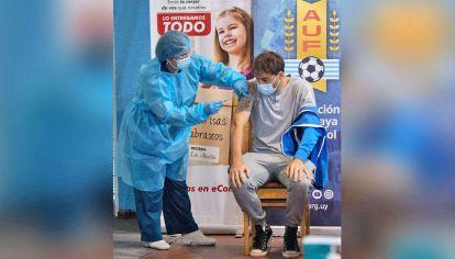 Uruguay. Avanza en la vacunación estimando que se alcance la inmunidad de rebaño.