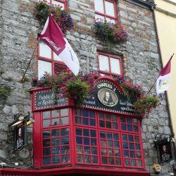 """Los pubs con música, como """"The King's Head"""", abundan en Galway. Foto: Alexandra Stahl/dpa"""