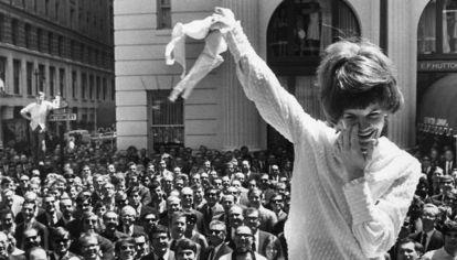 En septiembre de 1968 se realizó una masiva manifestación en reclamo de los derechos de la mujer en el marco de la elección de Miss América en New Jersey.