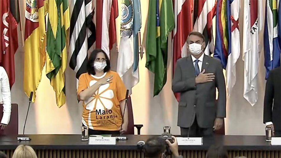 Bolsonaro Ministra de la Mujer 20210518