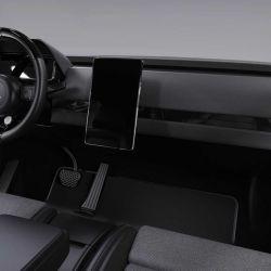 El interior tiene un estilo muy minimalista.