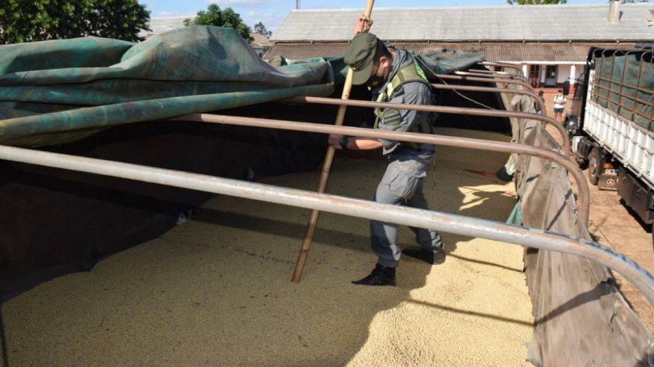 Gendarmería incautó 52 toneladas de soja