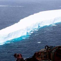 El pasado miércoles la Agencia Espacial Europea informó que el iceberg se había desprendido del lado este de la plataforma de hielo de Ronne, en el mar de Weddell.