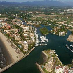 , Riviera Nayarit ofrece un clima ideal, desde temperaturas cálidas hasta viento y oleaje constantes.