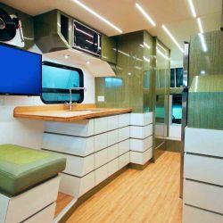 El habitáculo no solo es cómodo y cubre todas las necesidades básicas, sino que su diseño es cautivador.
