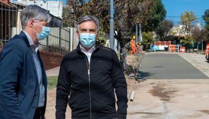 DESCENTRALIZACIÓN. Llaryora ya tiene en boxes la app Ciudadana para atender los reclamos y arrancaron por bacheos.