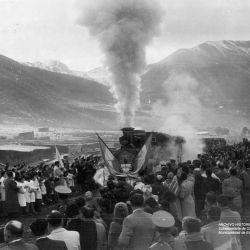 El primer viaje de la Trochita tuvo lugar el 25 de mayo de 1945.
