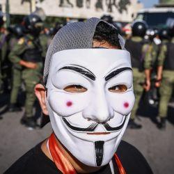 Irak, Bagdad: un manifestante participa en una protesta contra el gobierno para pedir que se revelen los asesinos de activistas pro reforma. | Foto:Ameer Al Mohammedaw / DPA