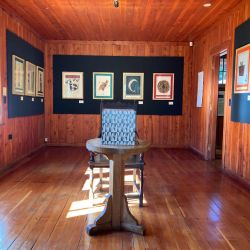 Soria Moria, frente al Llao Llao, es un centro cultural que abre en temporada. Fue una de las primeras casas de Bariloche.