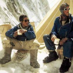 A las 11:30 del 29 de mayo de 1952 pusieron sus pies en la cima del Everest.