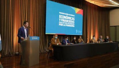AYUDA. El vicegobernador Manuel Calvo encabezó el anunció de asistencia económica y financiera de la Provincia.