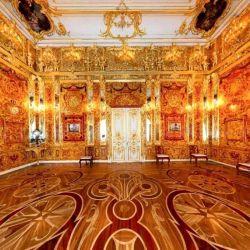 La legendaria Cámara Ambar fue un regalo del monarca prusiano Federico I al zar ruso Pedro el Grande.