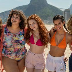 El elenco incluye a la actriz y referente del movimiento #BodyPositive, GuilherminaLibanio.