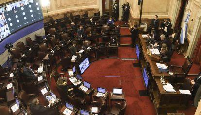 JUNIO 2: Vista del recinto del senado durante la sesión convocada para aprobar el proyecto de ley que pospone las elecciones primarias (PASO) y de las elecciones para el 12 de septiembre y el 14 de noviembre, respectivamente