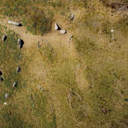 Los barcos vikingos fueron hallados en el famoso campo de tumbas de Kalvestene, Dinamarca.