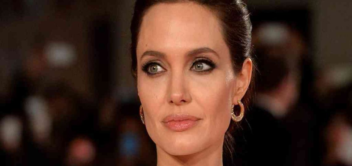 Angelina Jolie enseña a crear un look blanco total