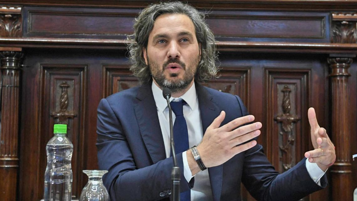Cabinet Chief Santiago Cafiero responds to questioning before Congress.