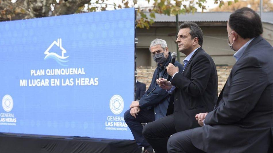 Sergio Massa junto a Jorge Ferraresi y al intendente de Las Heras Javier Osuna.