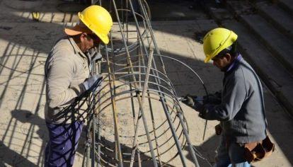 HABILITADOS. Industria, comercios y construcción privada podrán trabajar durante la nueva fase.