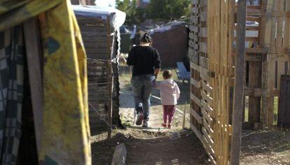 EL PEOR CRECIMIENTO. En un puñado de años, subieron exponencialmente todos los indicadores de pobreza y pobreza infantil, en el país y en Córdoba.