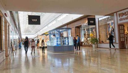 MALESTAR. Comerciantes de shoppings y paseos ya despliegan líneas de negociación con el gobierno para revertir el cierre.