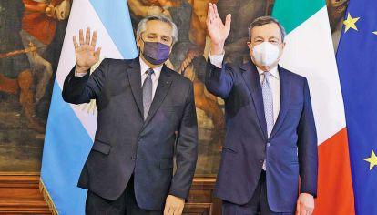 G20. El presidente Alberto Fernández y Mario Draghi, jefe de Gobierno italiano, que presiden el grupo.