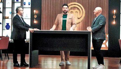 """Trio. De Santis, Betular, Martitegui en """"la cocina"""" de la TV."""