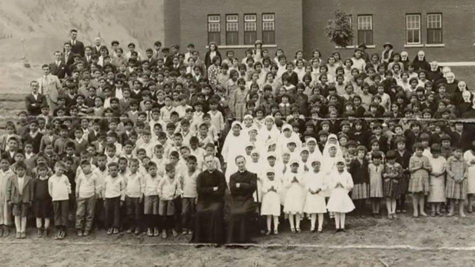 Escuela Canadá Cadáveres